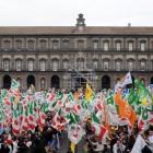 Da Napoli arriva un segnale: attenzione alla politica che alimenta l'odio