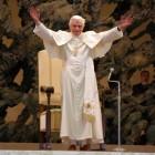 Minacce a Benedetto XVI: morto un Papa se ne fa un altro!